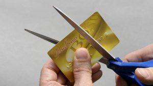 Ykkösbonus kortti leikataan halki